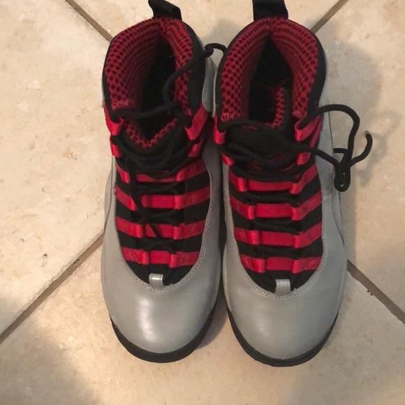 Jordan Shoes   Grey And Red Retro Us 4y